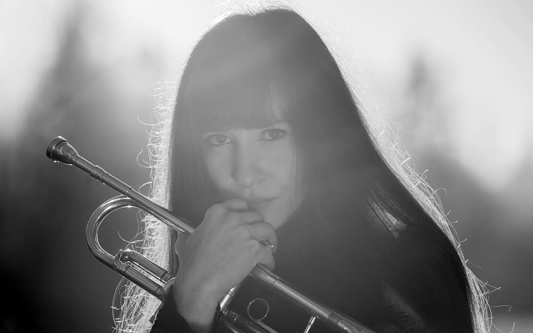 Angela Avetisyan Quartett – Surrounded By Silence